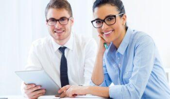 gente negocios trabajando oficina tableta digital 1301 6592